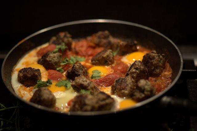 Kefta des rues aux œufs et à la tomate