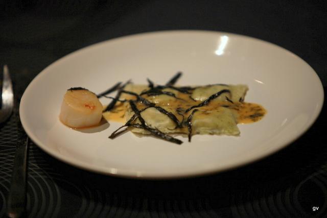 Raviolis aux algues et St Jacques à la sauce sauce miso