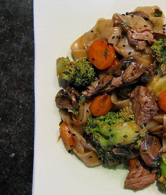 Nouilles au boeuf et aux légumes