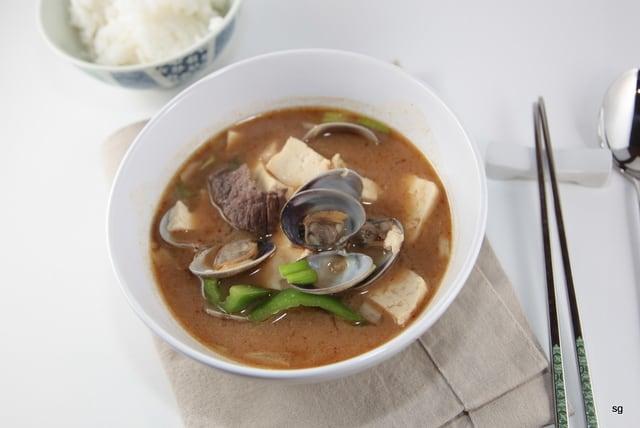 Ragoût coréen au tofu et coquillages