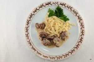 Rognons de veau à la moutarde et tagliatelles fraîches