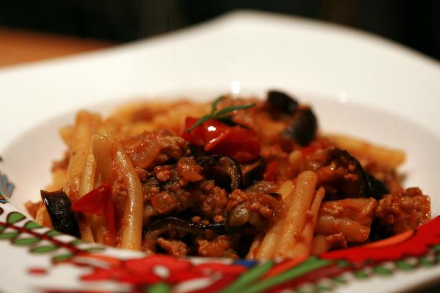 Casarecce aux aubergines, tomates cerises et haché
