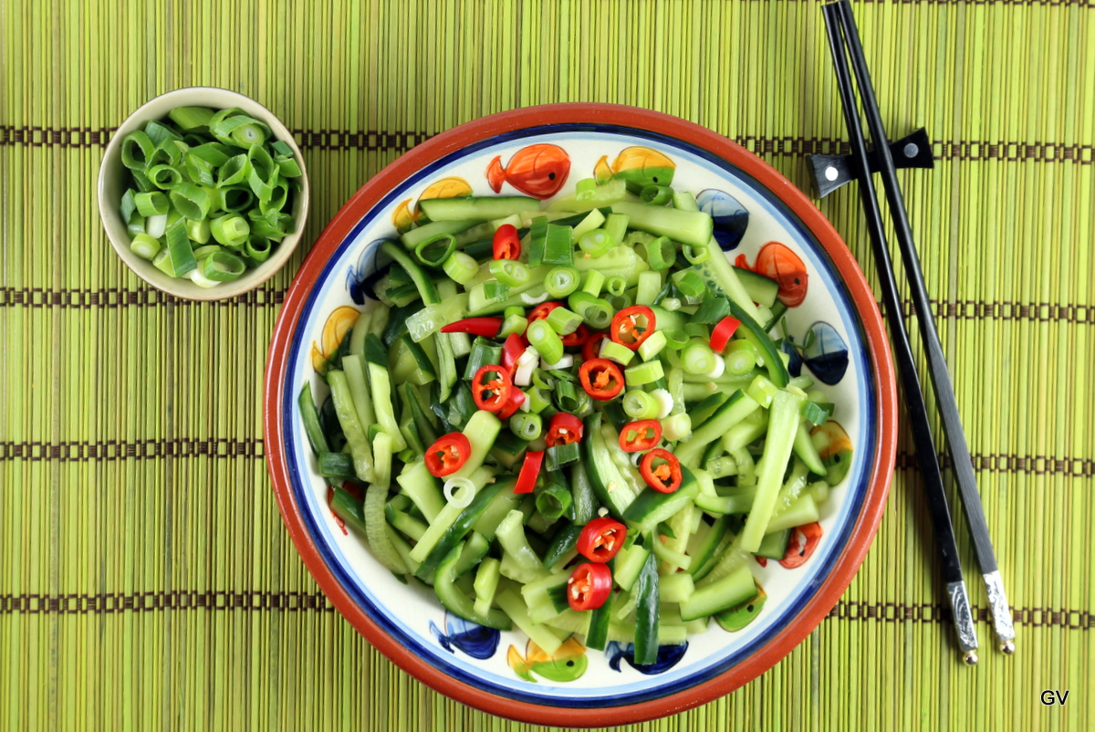 salade de concombre mariné